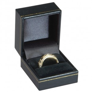 AA Jewelry Supply Single Ring Slot Box Leatherette Gold Trim